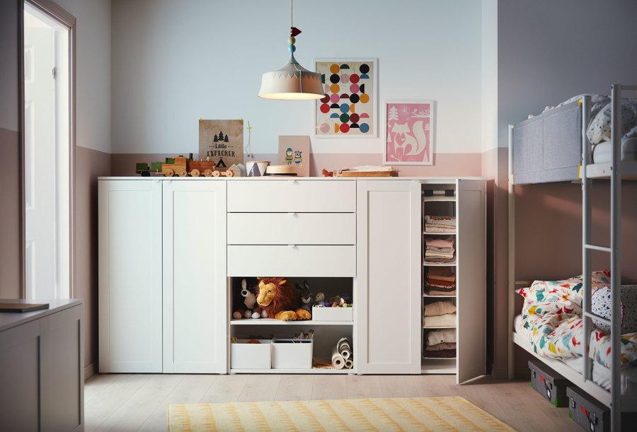 Dormitorio de niños con literas de IKEA