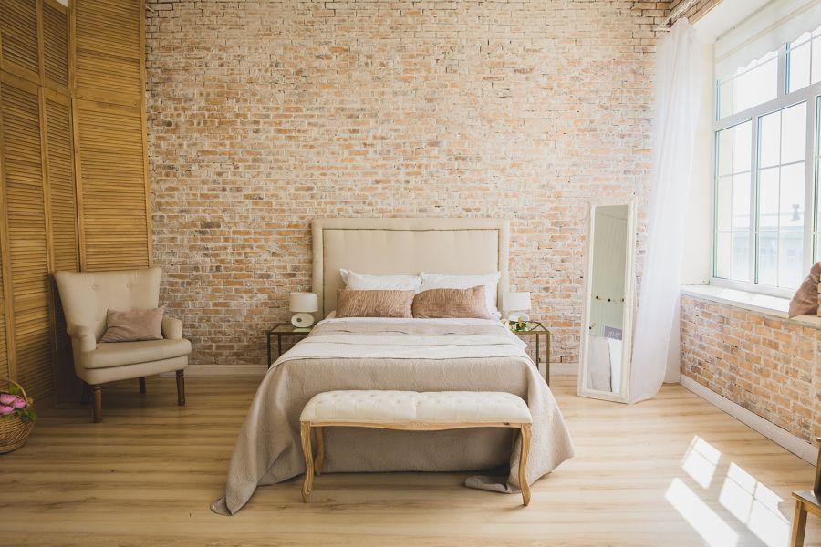Dormitorio en ocres