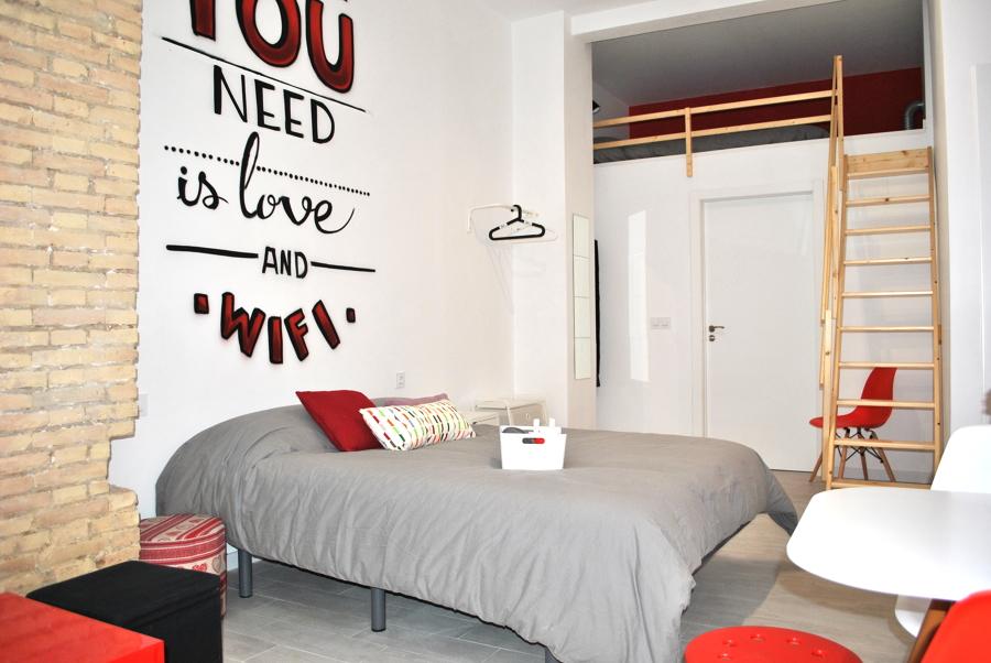 Foto dormitorio en rojo y gris 1398157 habitissimo for Dormitorio gris y rojo