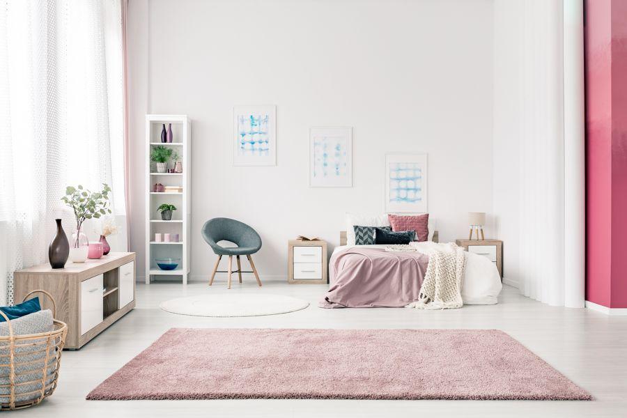 Dormitorio en rosa pálido
