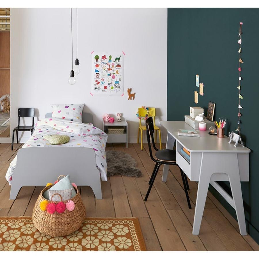 Dormitorio infantil con muebles de inspiración años 60