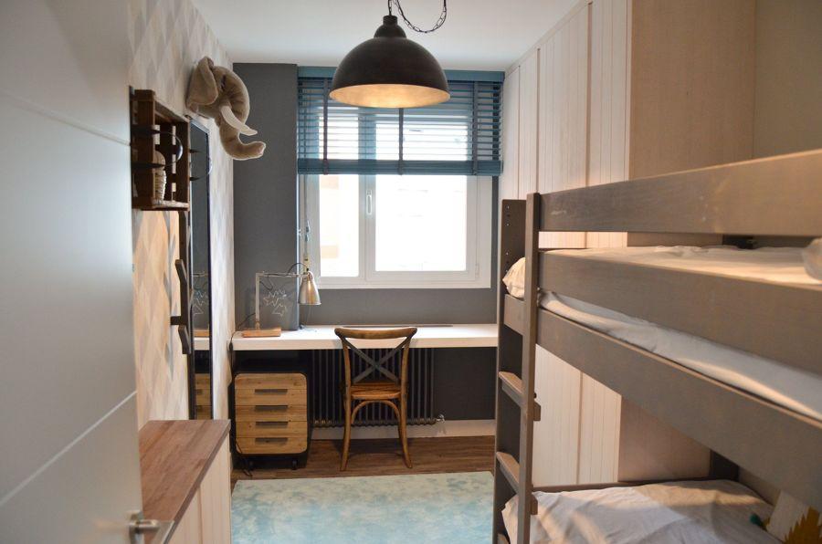 dormitorio infantil de estilo industrial con literas