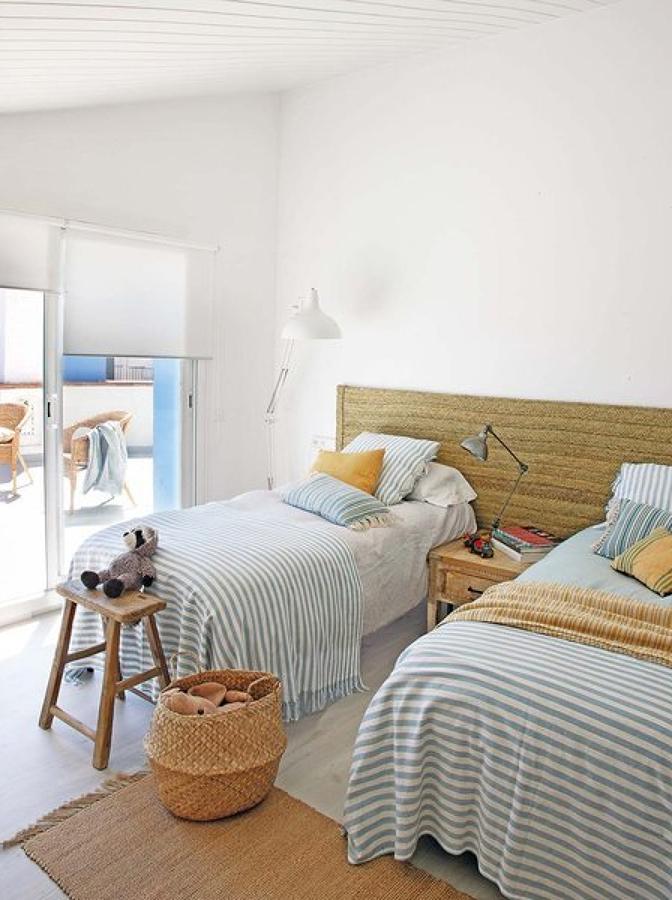 Dormitorio Infantil Doble. Gallery Of Escalera De Dos Tramos Y ...