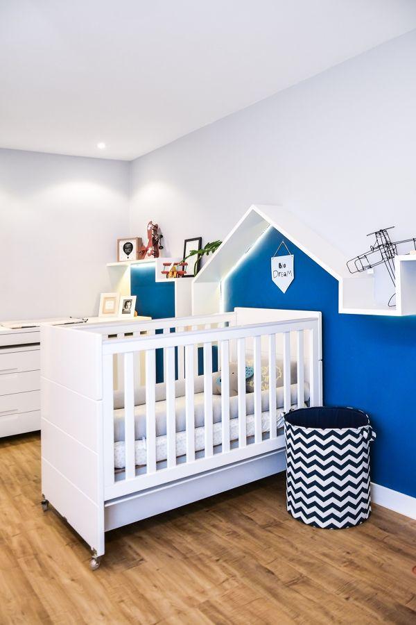 Dormitorio infantil en azul y blanco