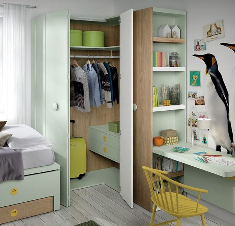 Dormitorio infantil en verde agua y blanco