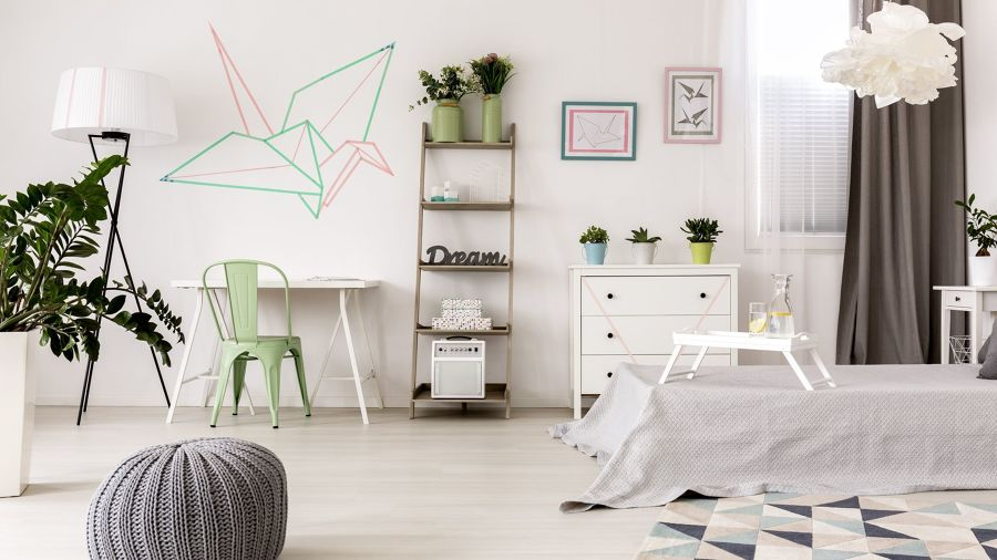 Dormitorio juvenil con escritorio y cama