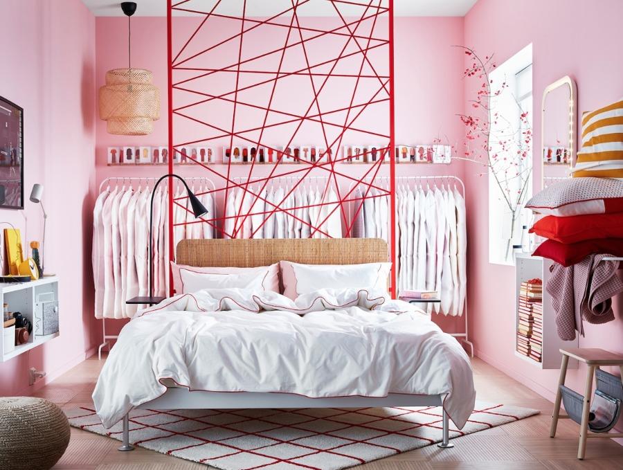 Dormitorio moderno con cama y colchón de IKEA