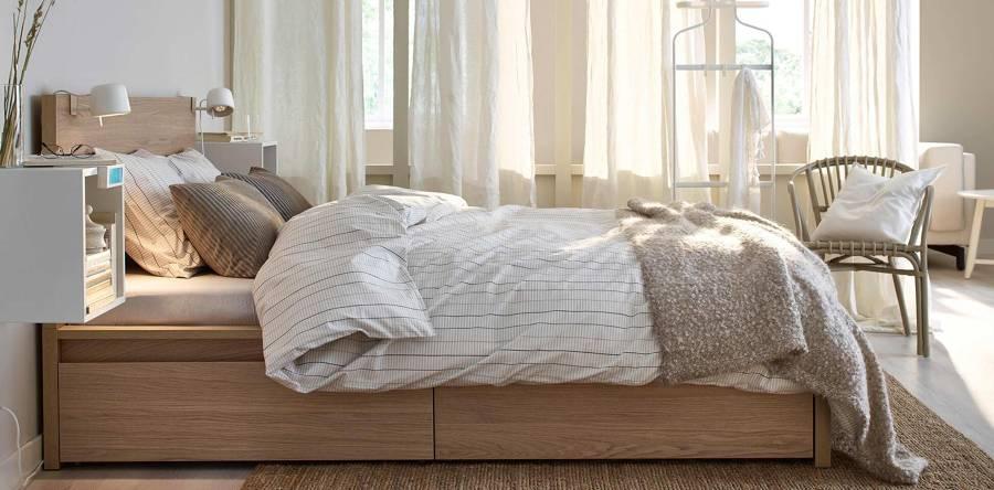 Dormitorio moderno con estructura de cajones
