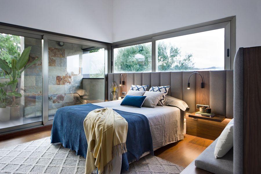 Dormitorio moderno con terraza
