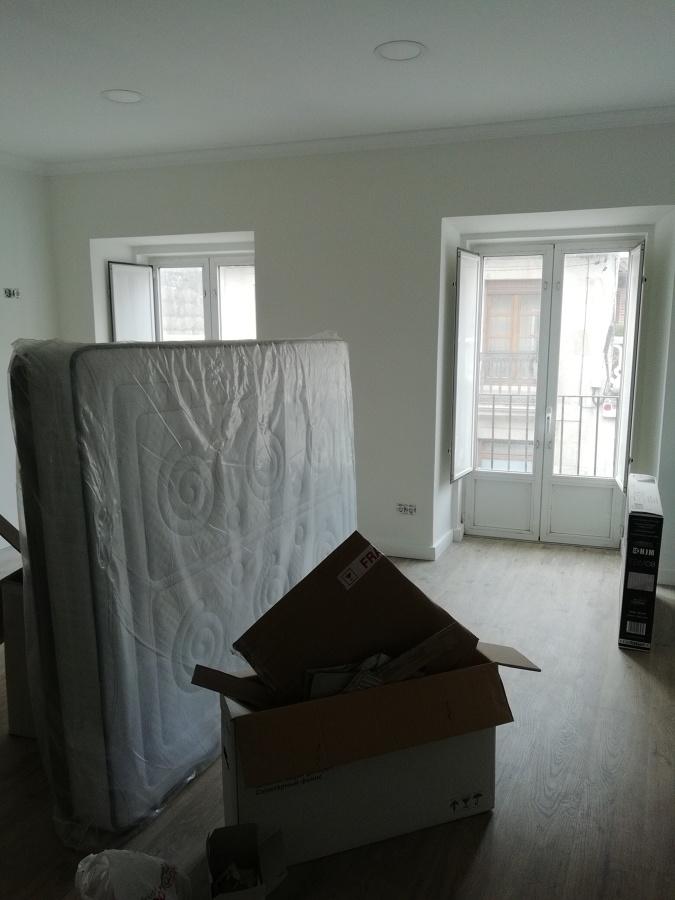 Dormitorio principal antes de la limpieza