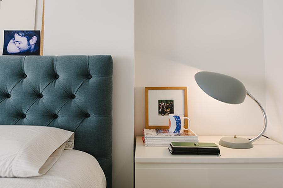 dormitorio principal con cabecero a medida