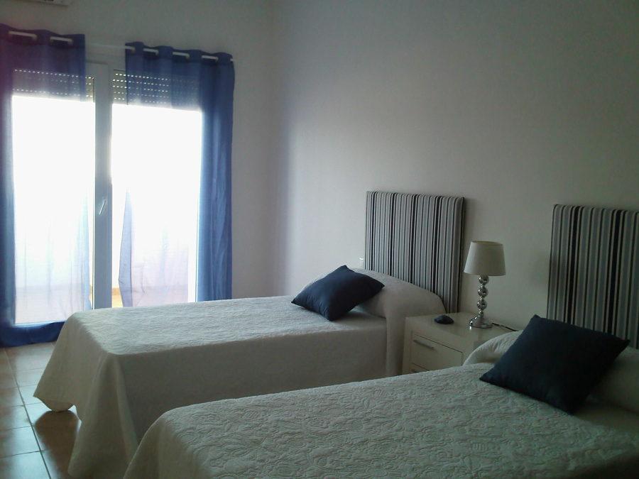 Foto dormitorio secundario de la muebleria de beth sl - Mueblerias en ourense ...