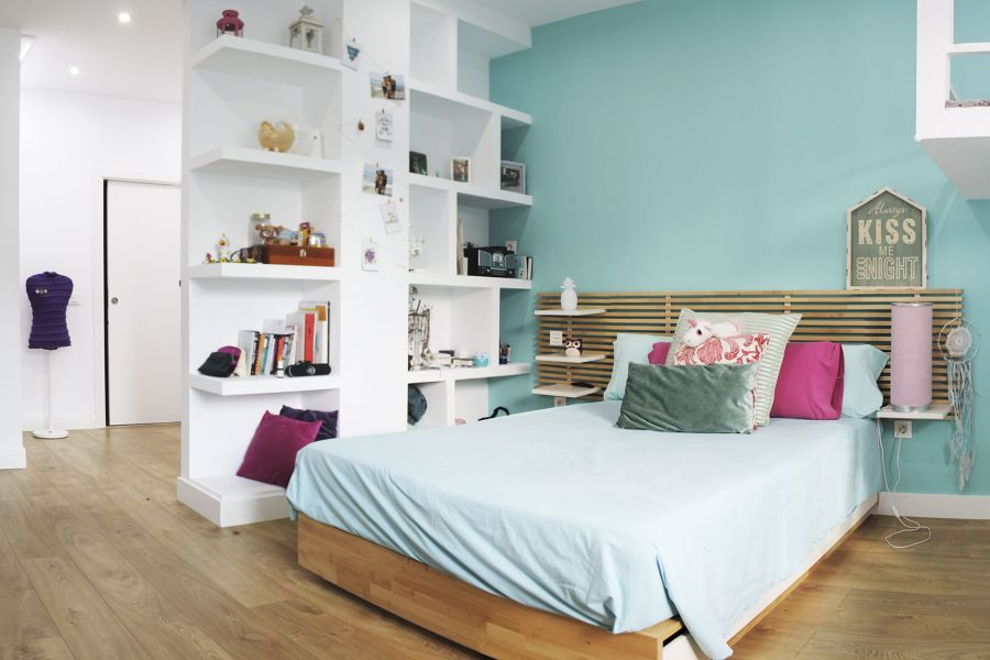 Dormitorio separado del recibidor por pared de pladur