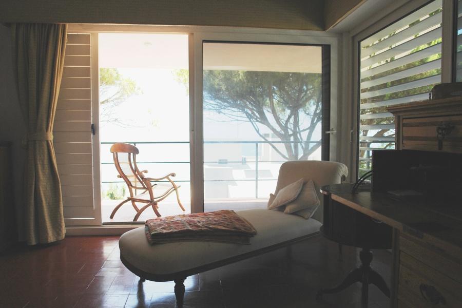 Dormitorio y terraza