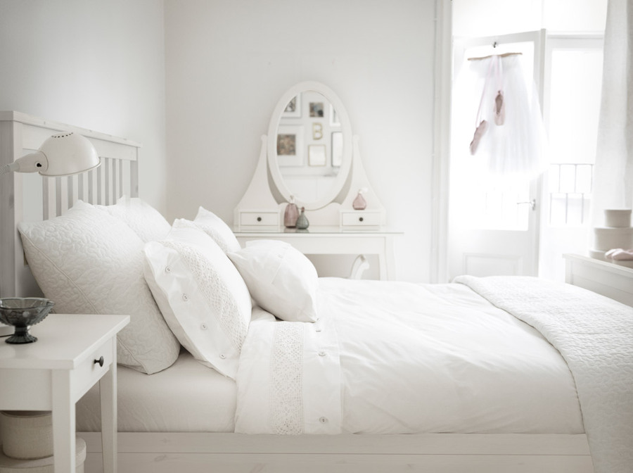 C mo triunfar con un dormitorio blanco muy f cil for Dormitorio cabecero blanco