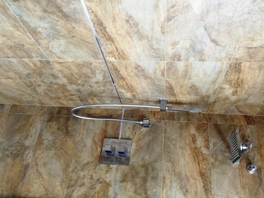 Foto ducha de torres gestio integral de finques s l - Torres de ducha ...