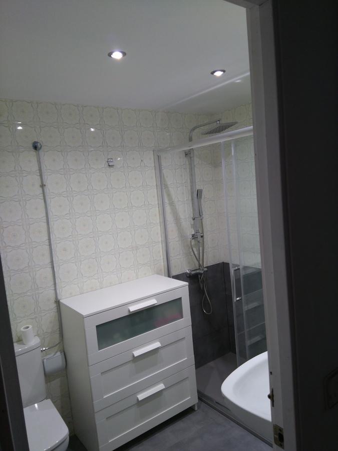 Ducha y wc y armario nuevos