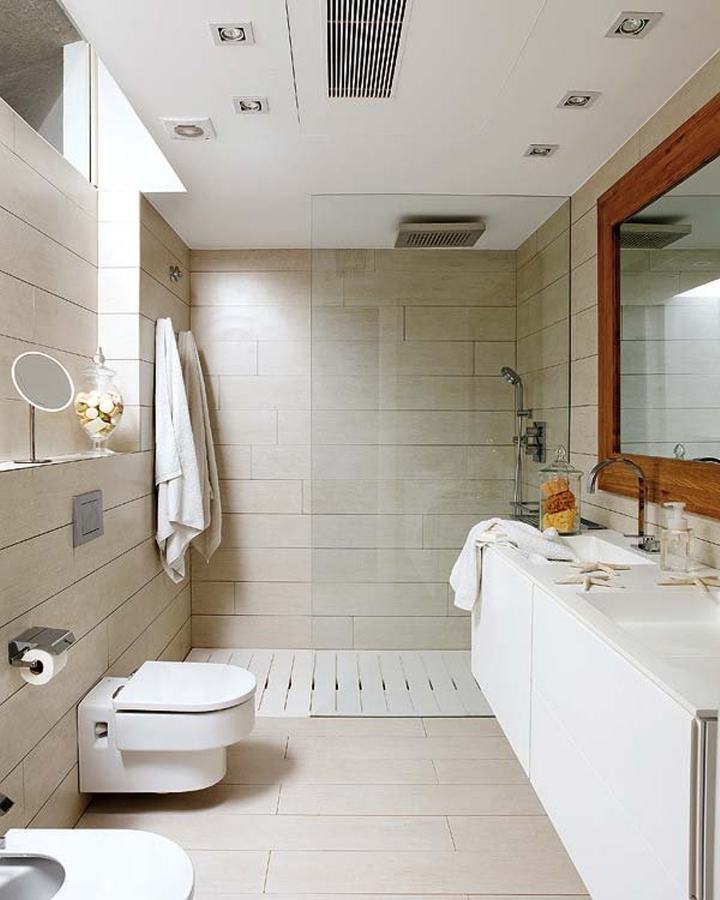8 cosas que debes saber sobre las duchas a ras del suelo ideas decoradores - Simple and small bathroom with white interior design ideas ...
