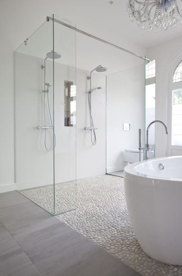 baño moderno de piedra