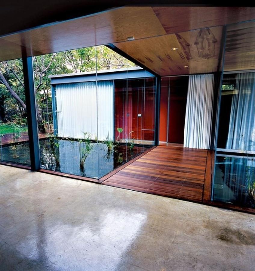 Exterior de cemento y madera