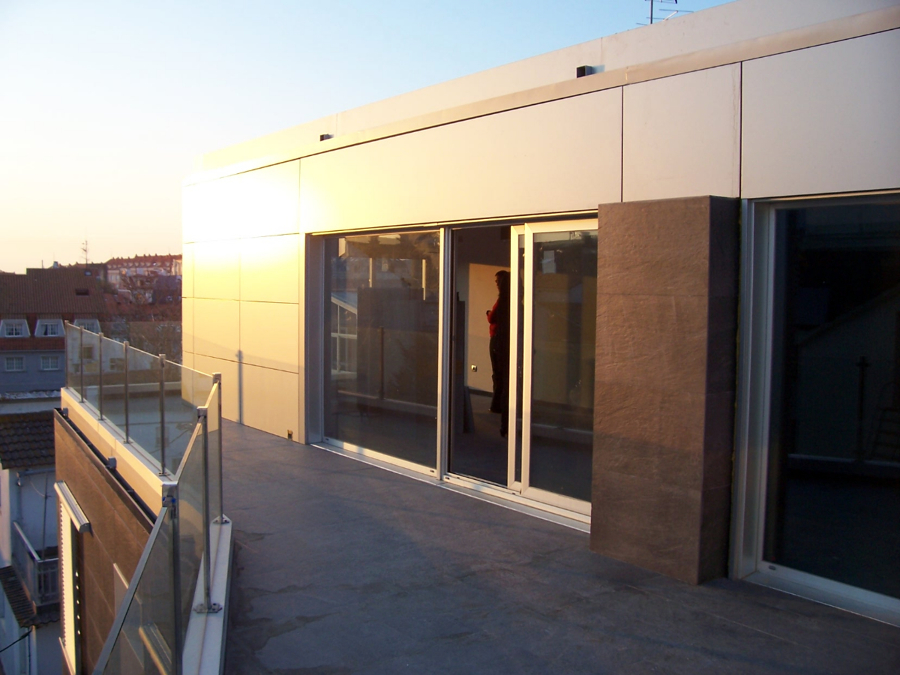 Edificio de viviendas en Portonovo_09