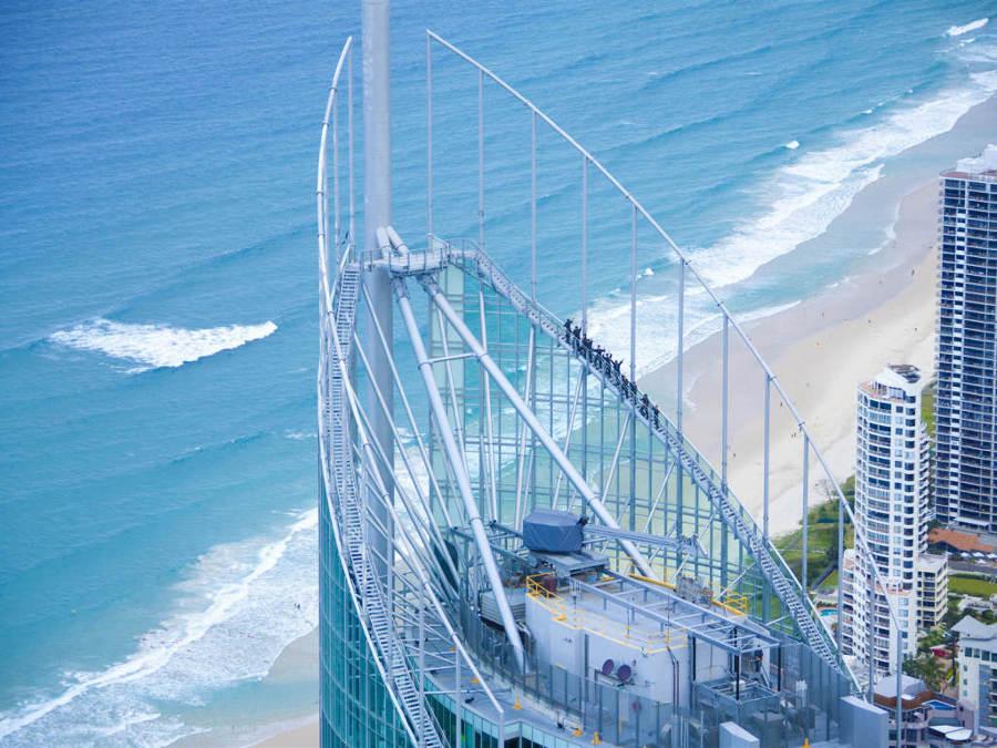 Edifico-que-hay-que-subir-con-una-escalera-de-la-muerte-1024x768