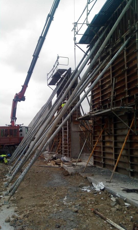 Ejecución de módulos de muro a 7.00 metros.