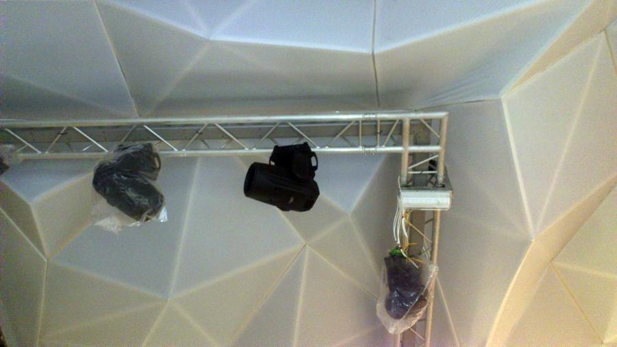 Foto ek kb de ek techos tensados 402490 habitissimo - Techos tensados barcelona ...