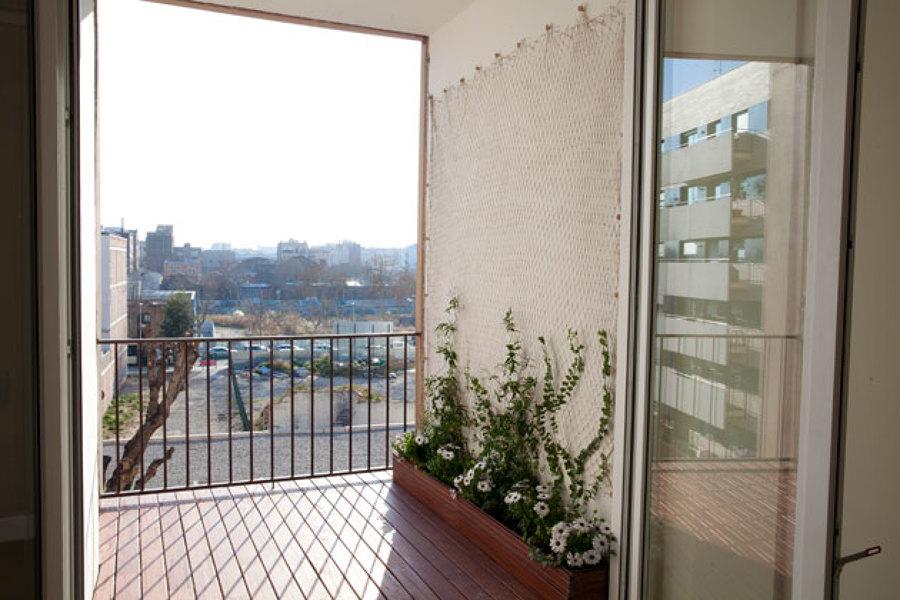 El balcón con inicio de jardin vertical