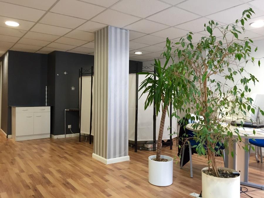 Centro de estetica y masaje revital salud ideas pintores - Poner papel pintado ...