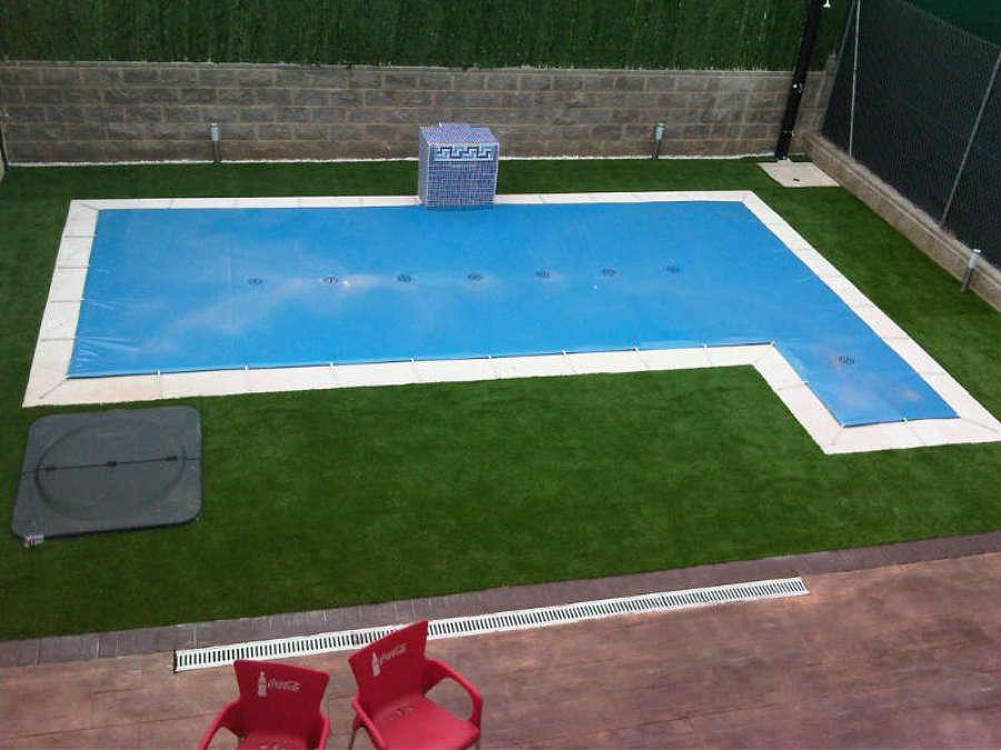 Venta de c sped artificial ideas art culos decoraci n for Plantas para poner cerca de la piscina
