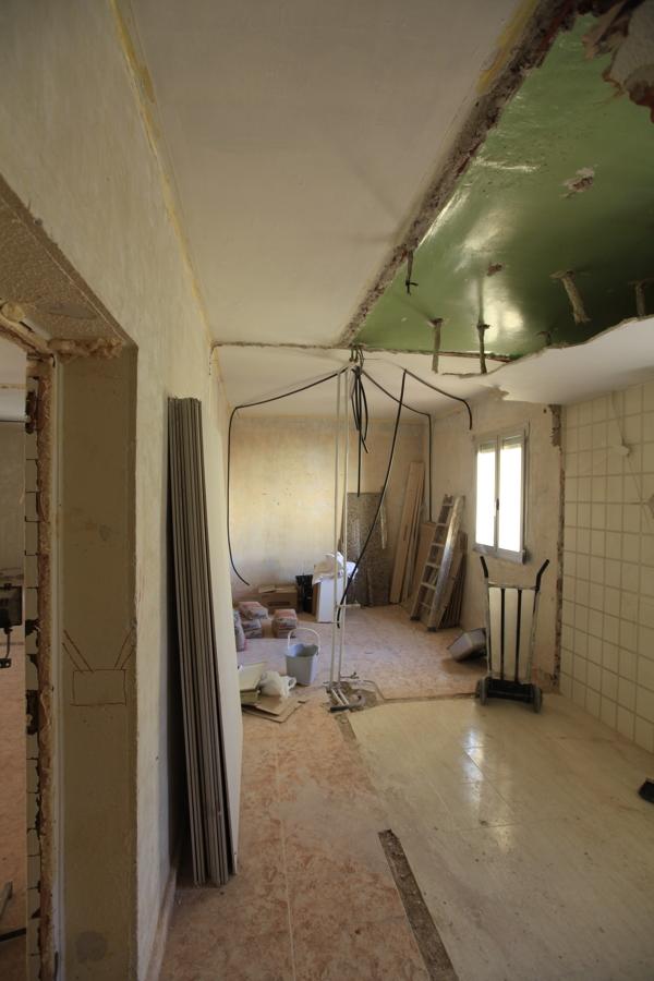 El pasillo con la antigua cocina