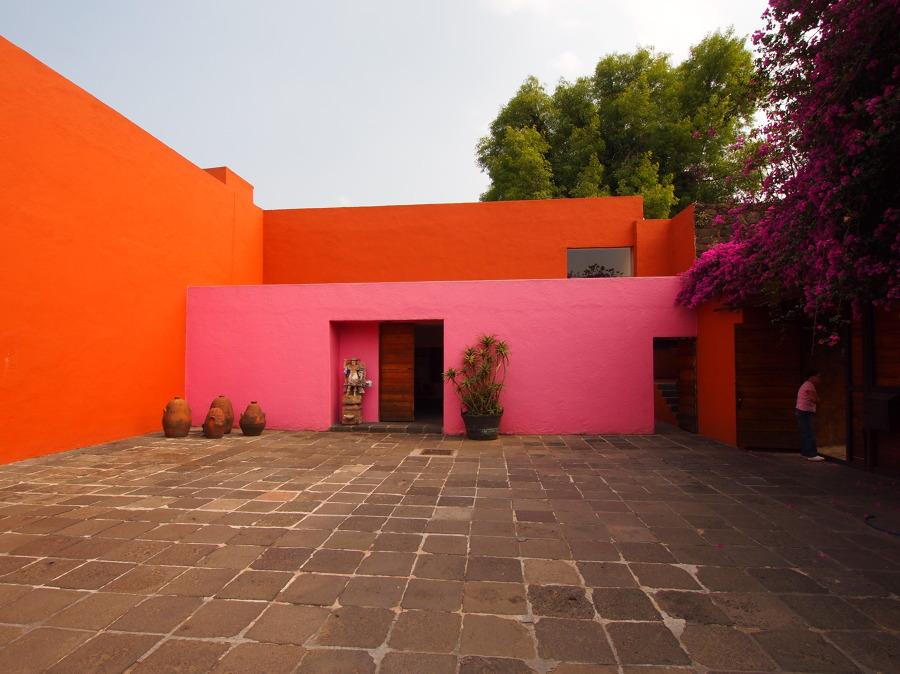 El uso del color en espacios exteriores