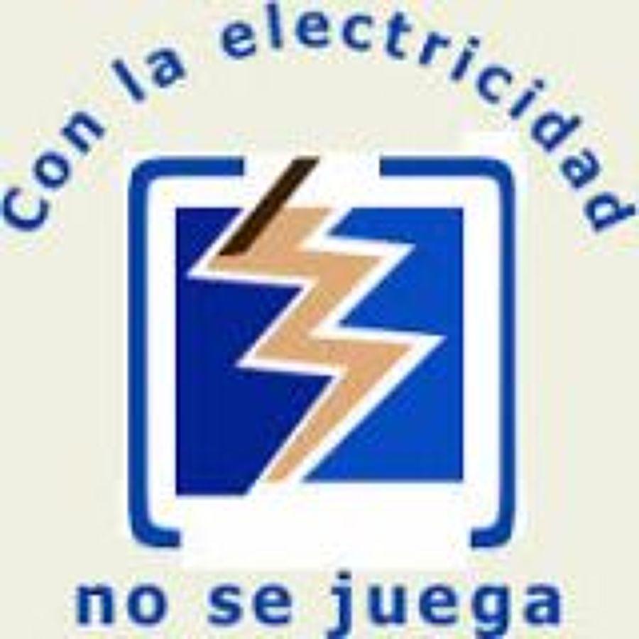 Foto electricista de rimelec 1462860 habitissimo - Electricista huelva ...