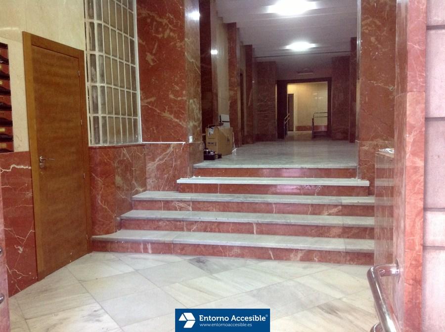 Eliminaci n de barreras arquitect nicas en portal de for Barreras arquitectonicas