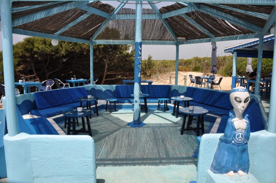 En el Blue Bar hay estatuas de marcianos, eso sí, marcianos azules