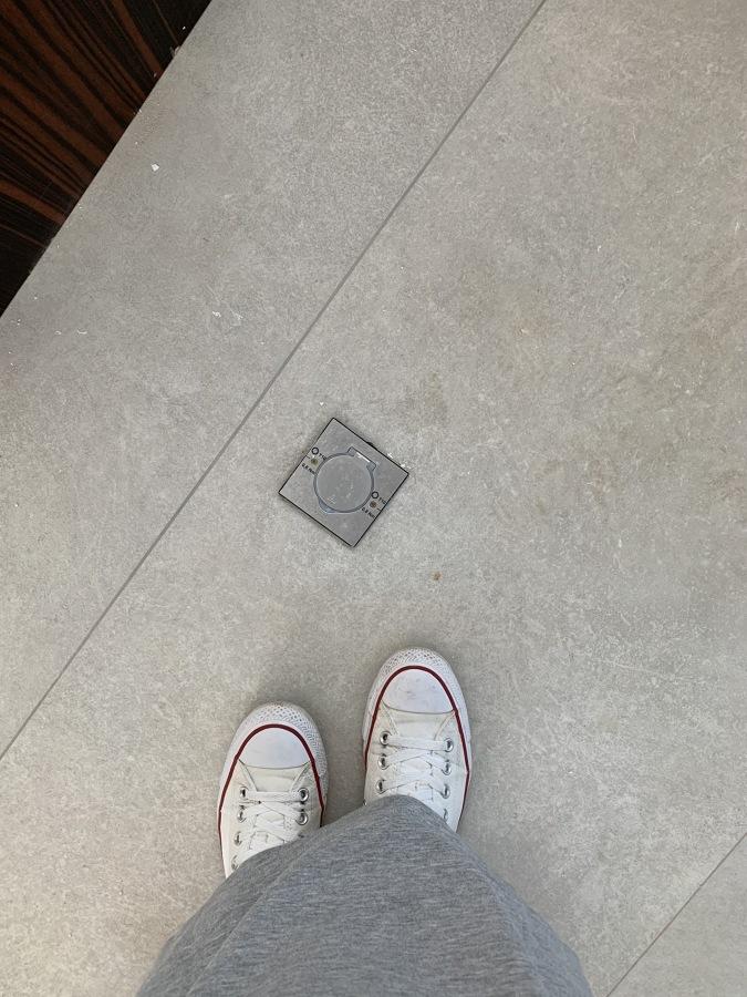 Enchufes empotrados en el suelo