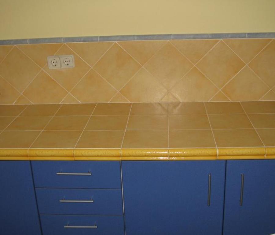 C mo colocar azulejos en la encimera ideas reformas - Tipos encimeras cocina ...