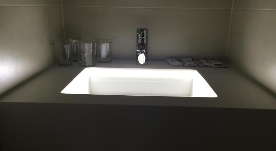 Encimera con pica integrada LED