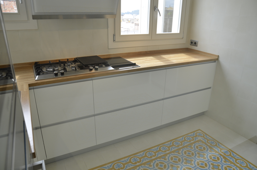 Foto encimera de cocina de madera maciza de ecohabitats - Encimera madera cocina ...