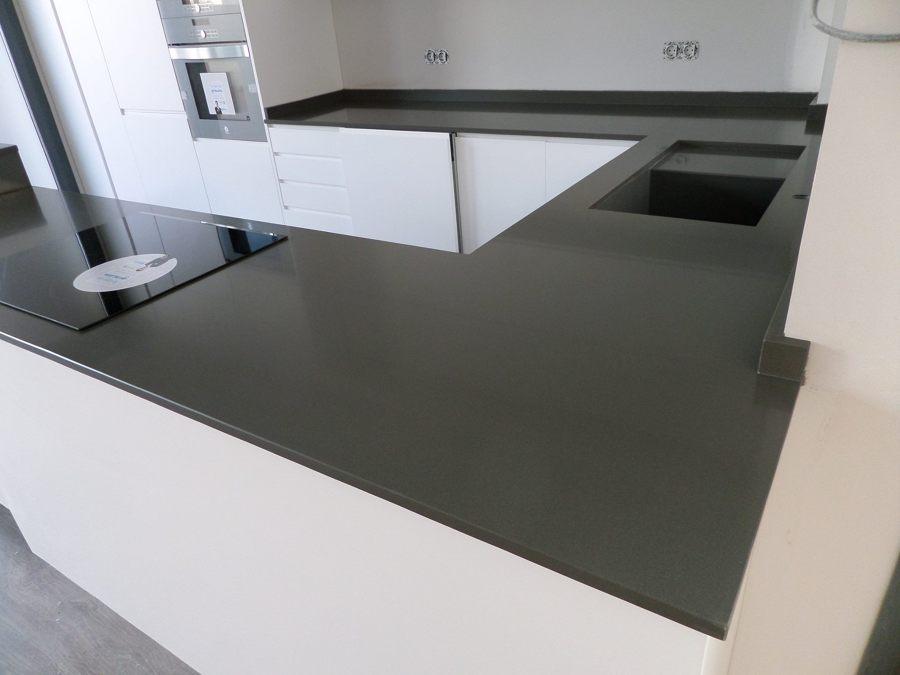 Bancada de cocina en silestone cemento spa ideas marmolistas - Tipos de encimeras para cocina ...
