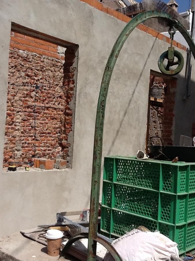 enfoscar las paredes para reforzar el ladrillo viejo.