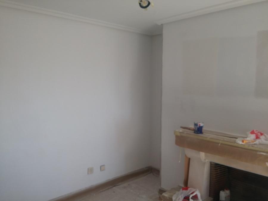 Enlucido de paredes/techos y pintado