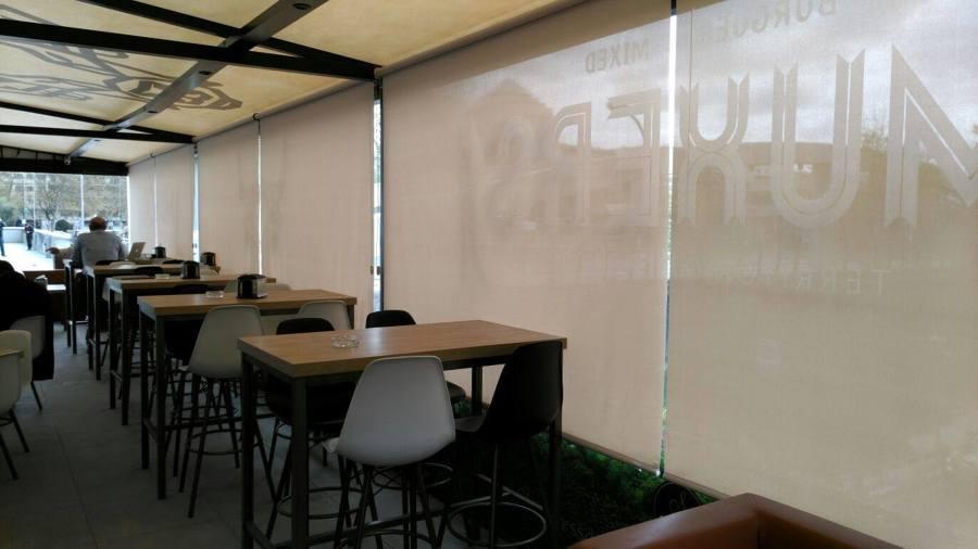 Foto enrollables de screen blanco 10 de apertura de - Comprar cortinas barcelona ...
