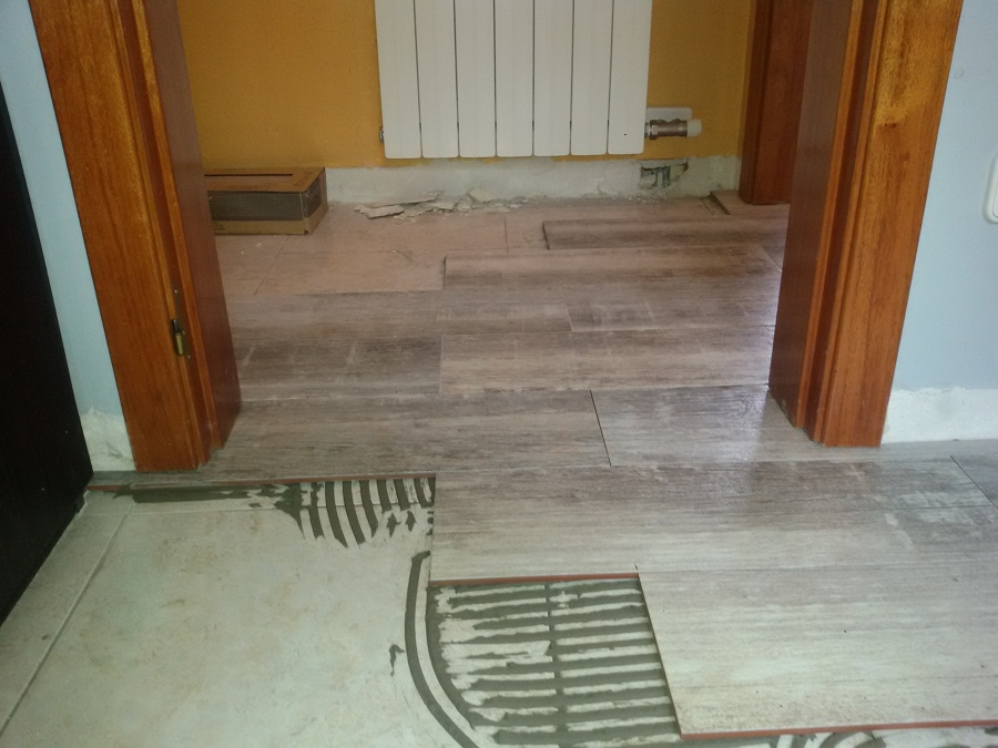 Revestimiento de pared suelo de gres porcel nico esmaltado of ceramica imitacion parquet - Suelos imitacion parquet ...
