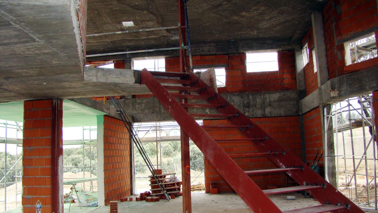 Foto entrada de la casa y escaleras de manayecto 158456 for Escaleras entrada casa