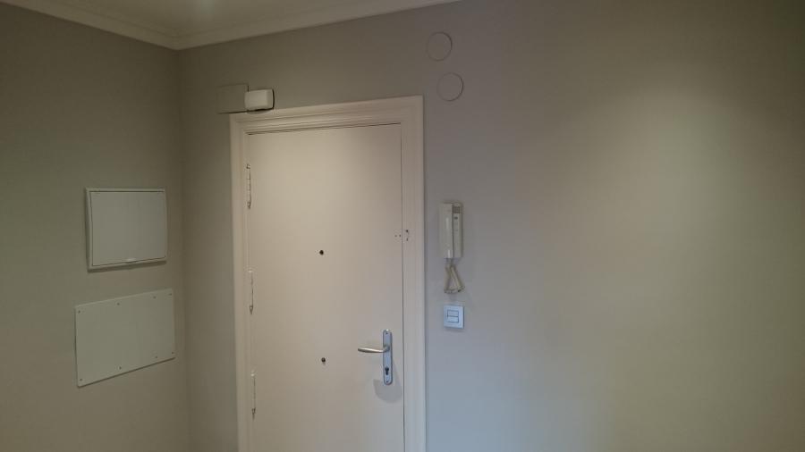 Entrada vivienda (cuadro general, telecomunicaiones, timbre, portero automático,...)