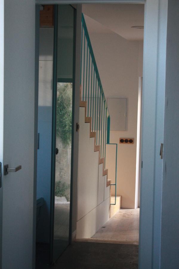 Foto escalera 2 de arquitectura sostenible sergio ram rez for Piscina ramirez granada