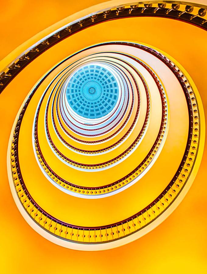 escalera amarilla habitissimo