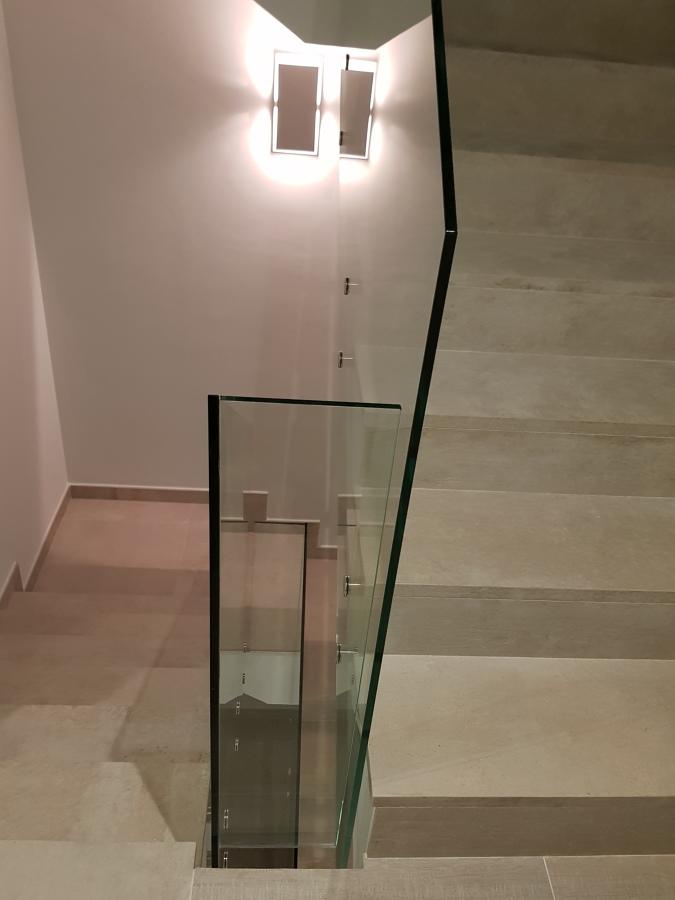 Escalera barandilla sin marco